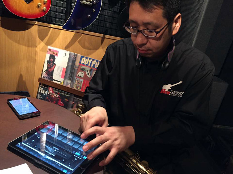 analog-sound-and-music-creation-on-ipad